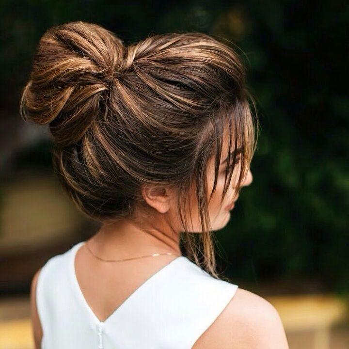 прическа на прямые волосы